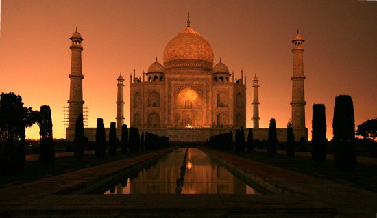 RealWorld_Taj_Mahal_(Night)