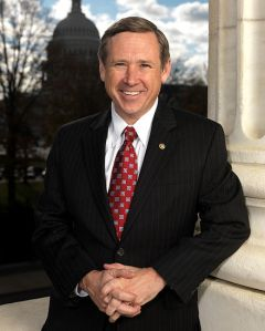 440px-Senator_Mark_Kirk_official_portrait