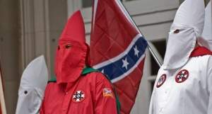 Members-of-the-KKK-hold-a-rally-800x430