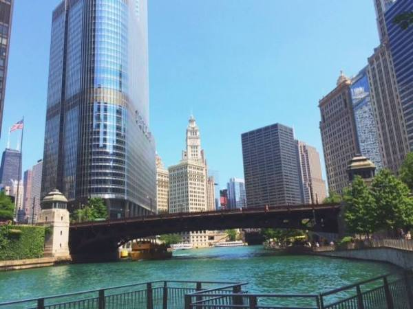 chicago-blue-river