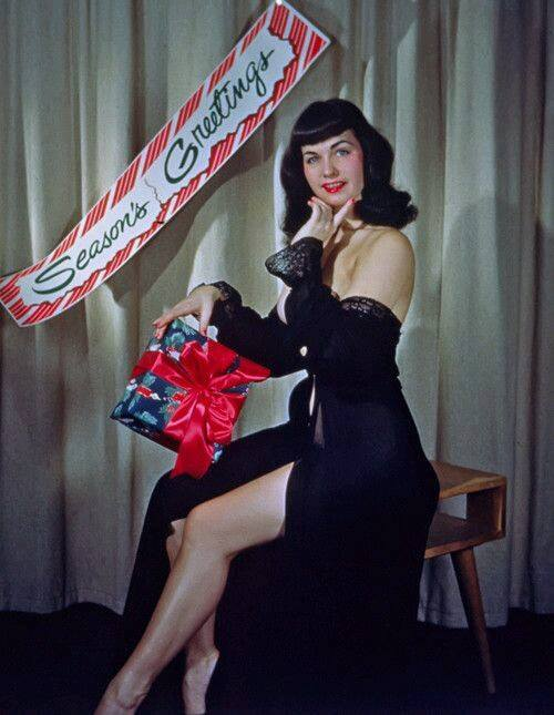 betty-page-christmas