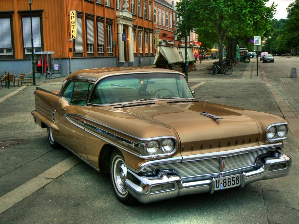 nice-retro-car