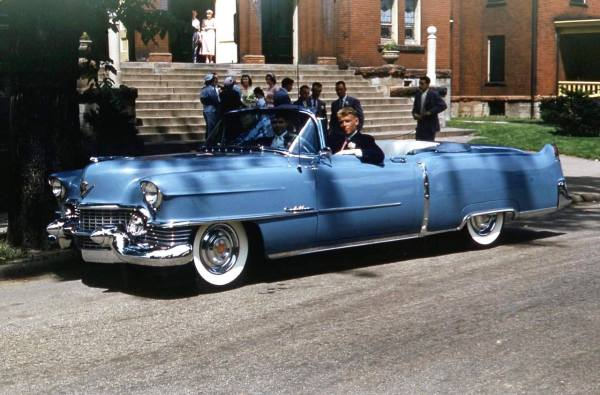retro-baby-blue-caddy